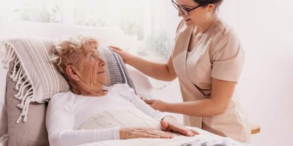 Blíží se dostupnější péče o dlouhodobě nemocné pacienty?